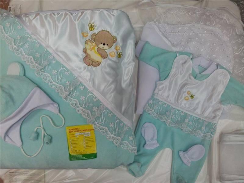 Выписка новорожденного летом - что одеть?