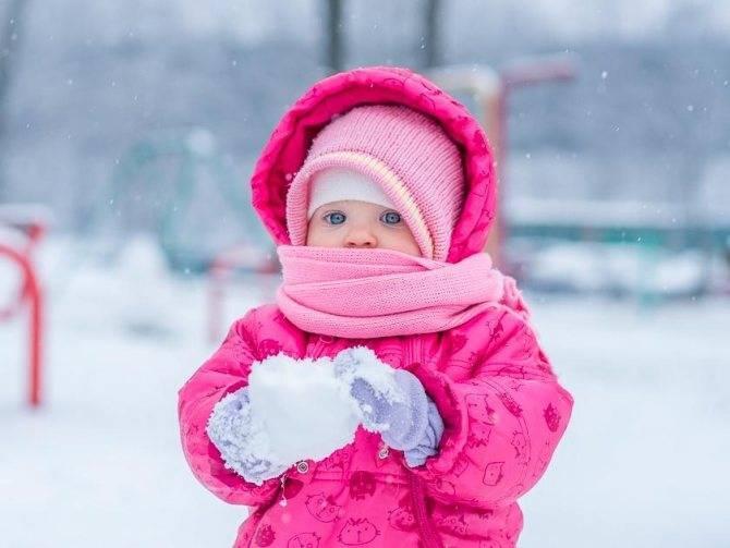 Холодные ручки и ножки у грудничка. особенности теплообмена у новорожденных или почему не стоит тесно пеленать детей