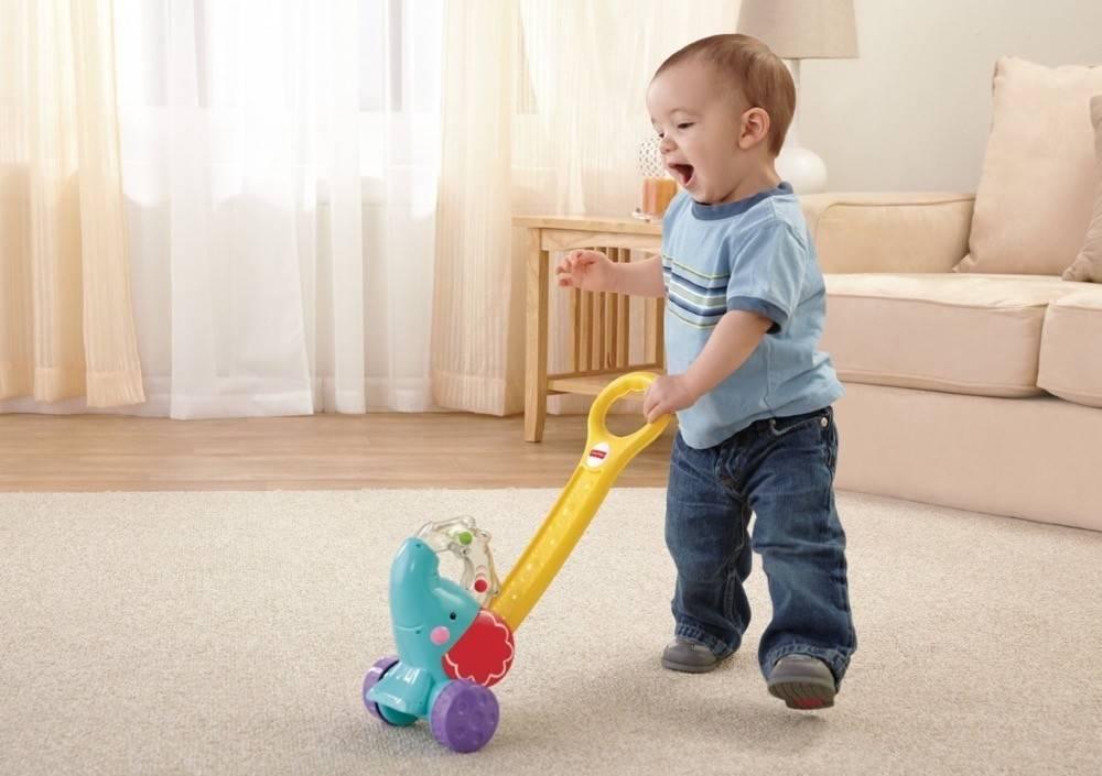 Что такое ходьба: ребенок начинает ходить