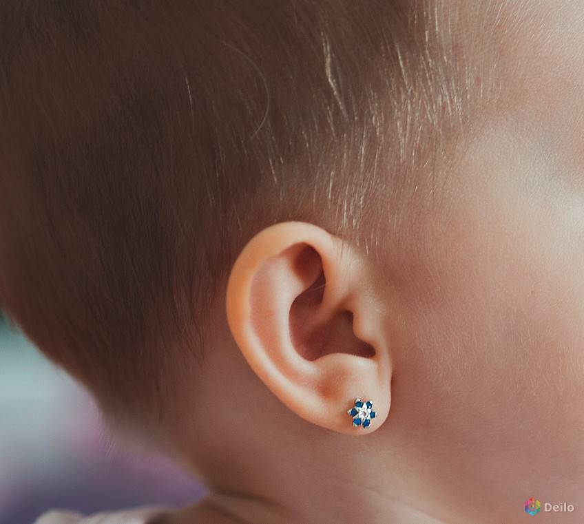 Проколоть уши ребенку: где и когда? серьги для девочки: какие лучше? детское здоровье