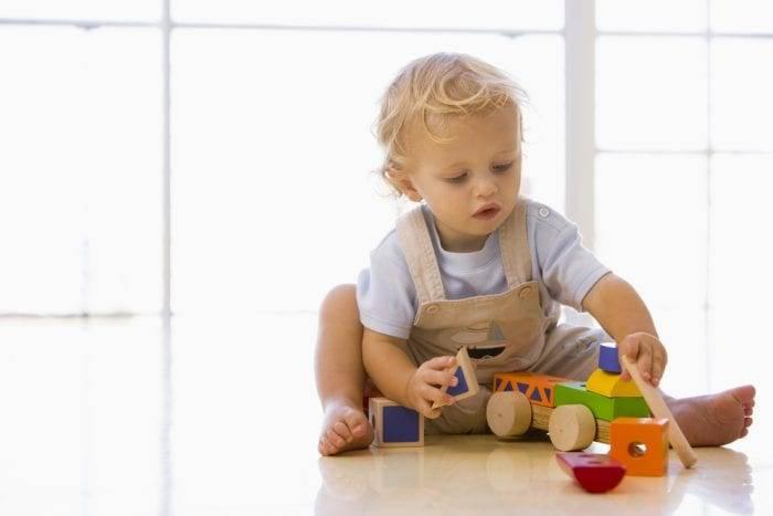 Что нужно знать родителям о развитии ребенка в 1 год и 3 месяца?