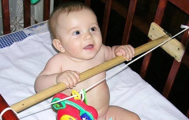 Когда можно сажать ребенка: важные нюансы, во сколько месяцев можно высаживать мальчиков, девочек? как начинать высаживать ребенка?
