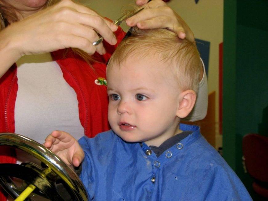 Почему нельзя стричь стричь ребенка до одного года✂️: рациональное объяснение и приметы