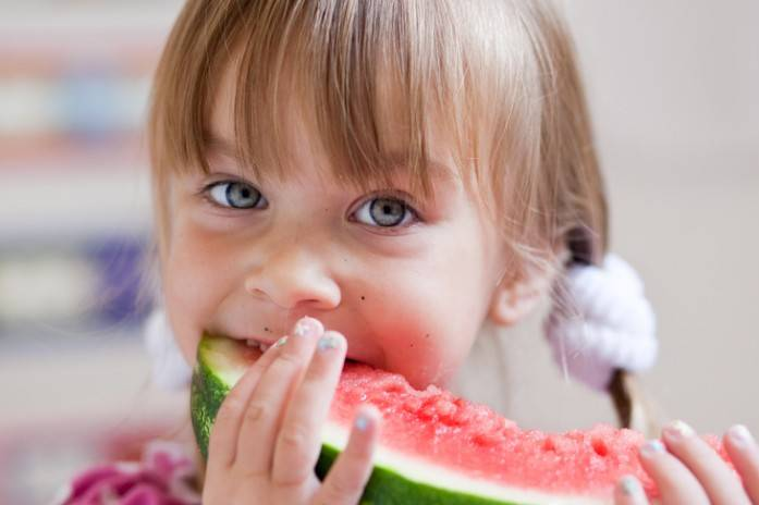 Можно ли ребенку давать арбуз и с какого возраста
