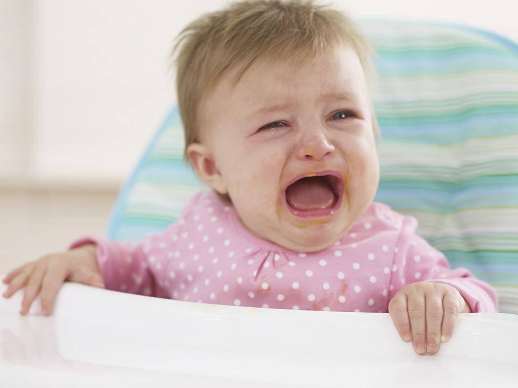 Почему ребенок капризничает | официальный сайт huggies