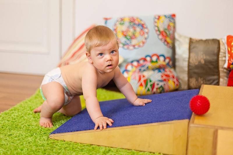 Как научить ребенка сидеть? эффективные упражнения