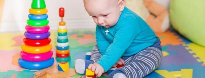 Как развивать ребенка в 2 месяца: гимнастика, упражнения, игры и массаж