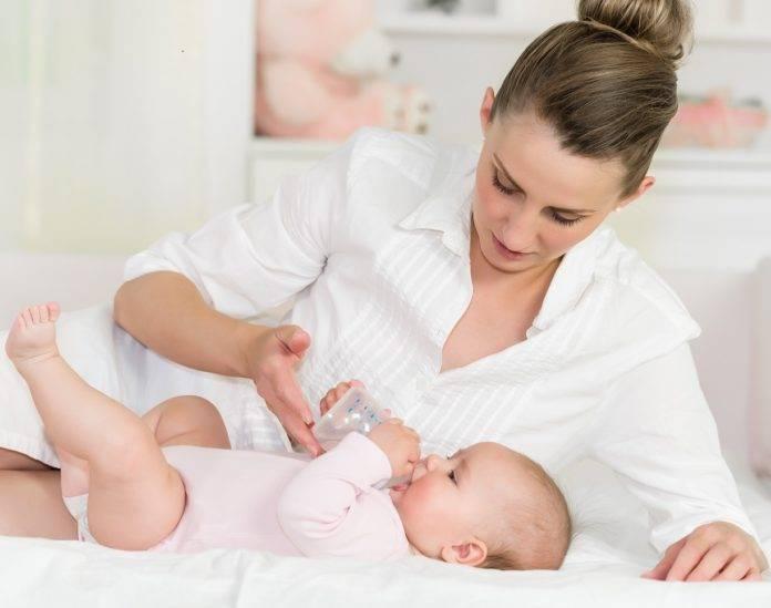 Нужно ли давать воду новорождённым при грудном вскармливании?
