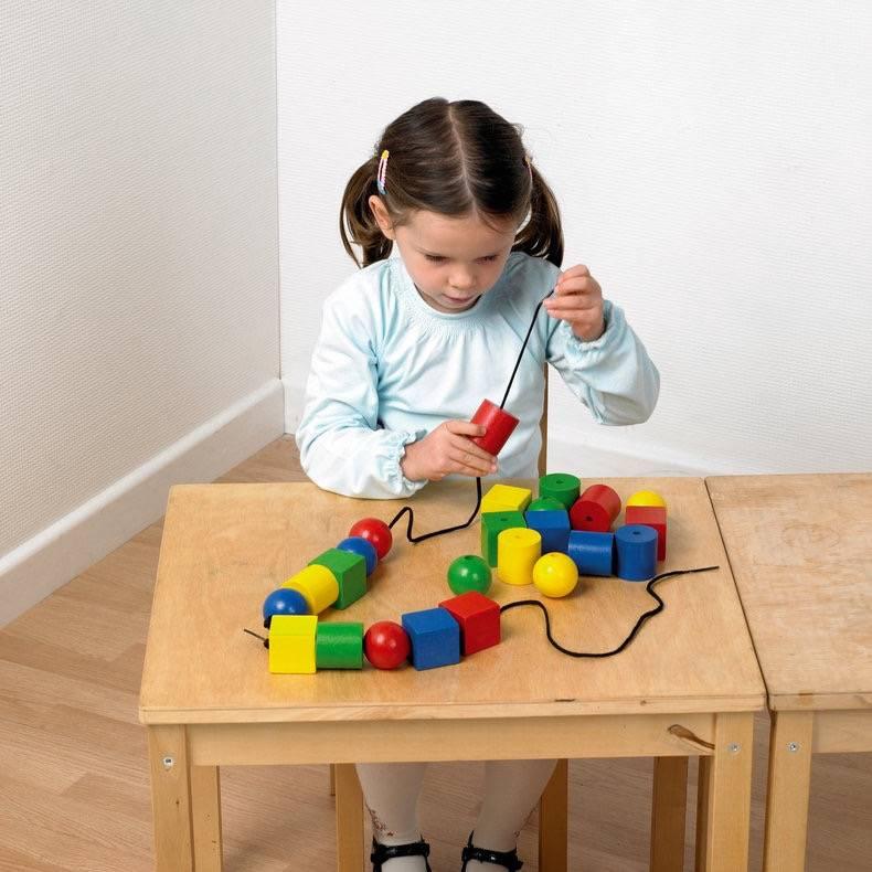 Какие игрушки необходимы ребёнку в 10 месяцев