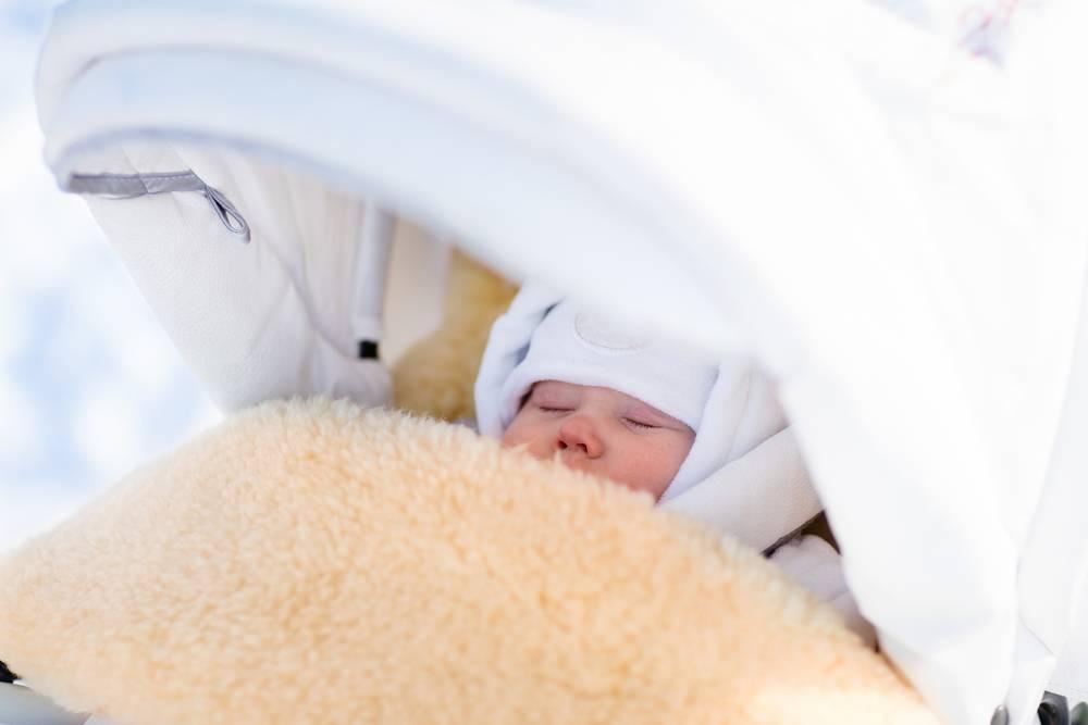 У новорожденного холодный нос дома, в роддоме, на прогулке – причины явления