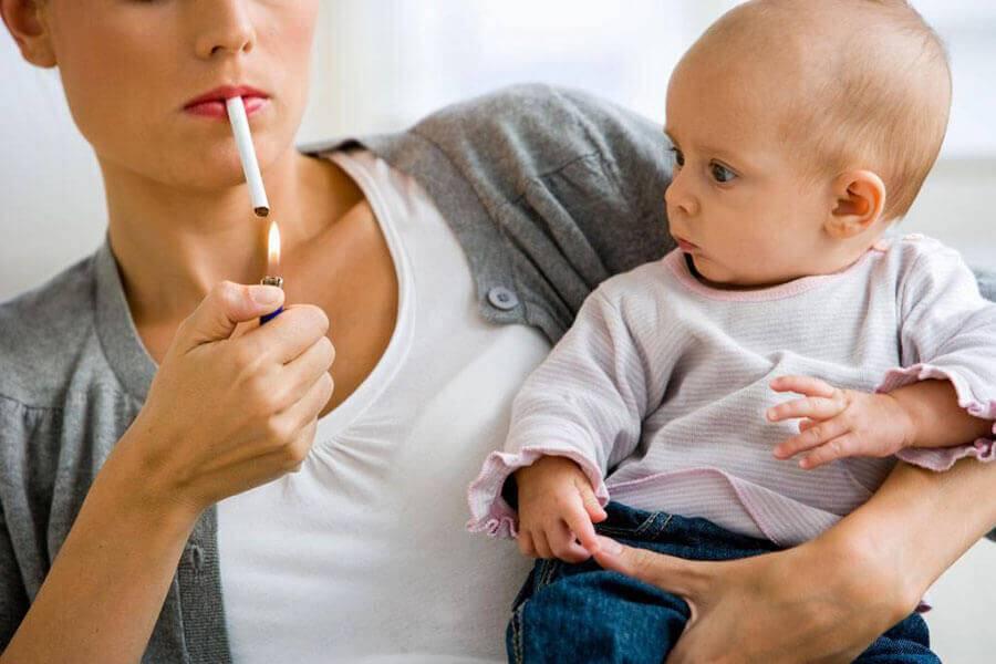 Попадает ли никотин с другими веществами в грудное молоко?