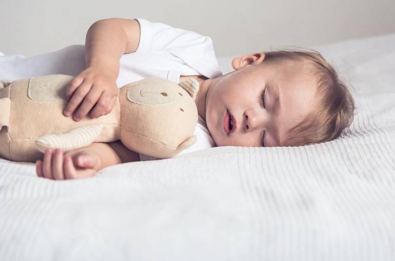 Как обучить ребенка самостоятельному засыпанию в 3-4 года