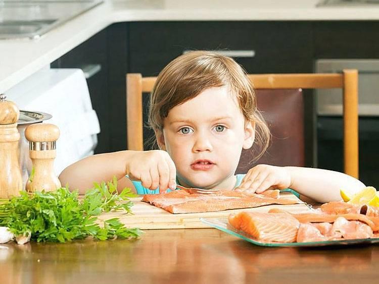 Прикорм: покупать готовое питание или готовить самостоятельно?