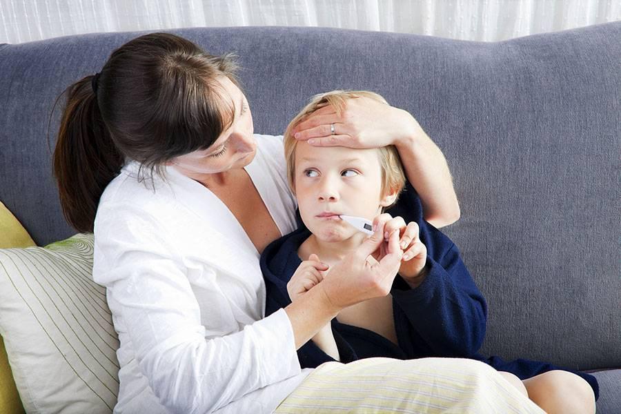 Почему сохраняется температура у ребенка после лечения антибиотиками и как с этим бороться?
