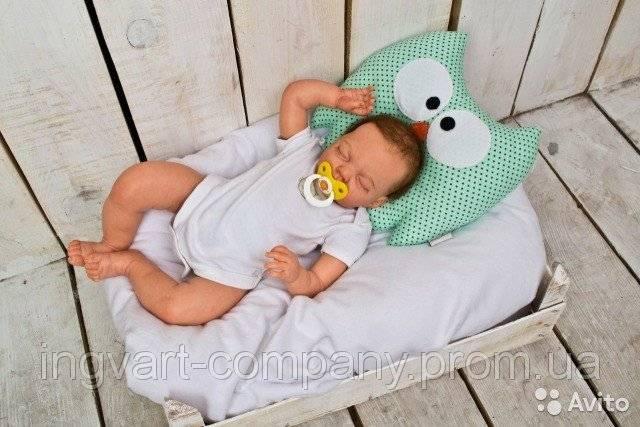 С какого возраста ребенку нужна подушка