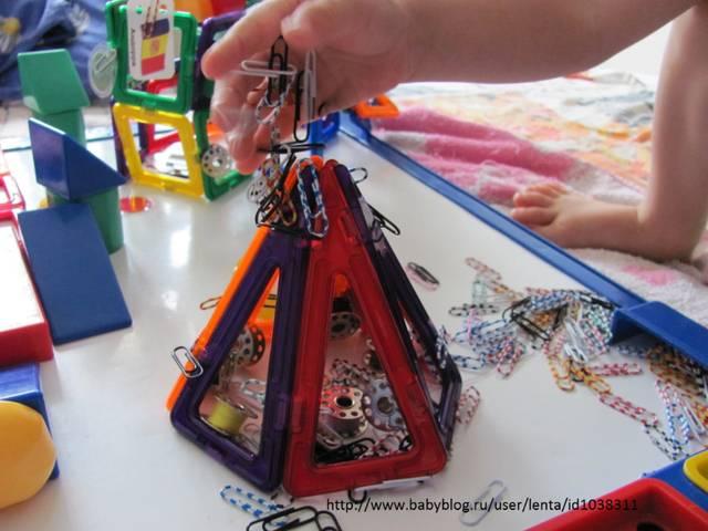 Развиваем малыша: какие игрушки нужны ребенку в 2 года