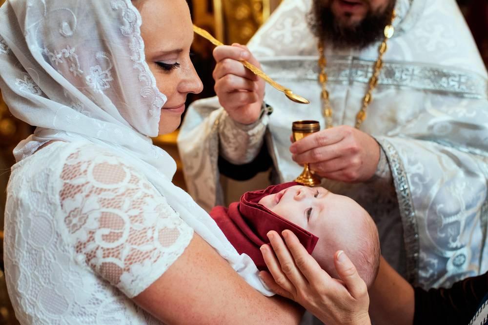 Крещение ребенка - когда и как проводят обряд