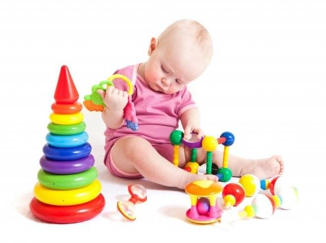 Какие игрушки нужны ребёнку с рождения и до года?
