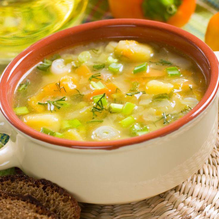 Когда можно давать мясной бульон ребенку: с какого возраста вводить супы