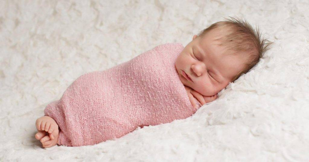 """За и против """"кулёчка"""": нужно ли пеленать новорожденного ребенка?"""