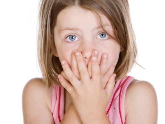 Коричневые выделения из уха - о чем свидетельствуют?