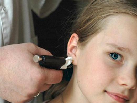 Прокалываем уши для сережек. все тонкости выбора мастера, обезболивание