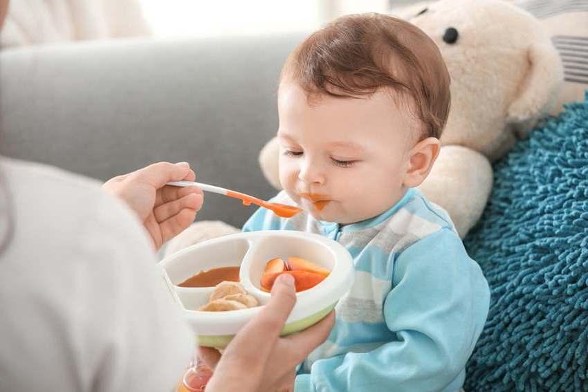 Что делать, если грудной ребенок отказывается есть прикорм