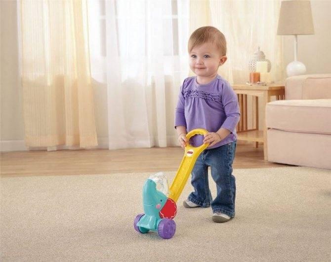 Во сколько дети начинают ходить самостоятельно