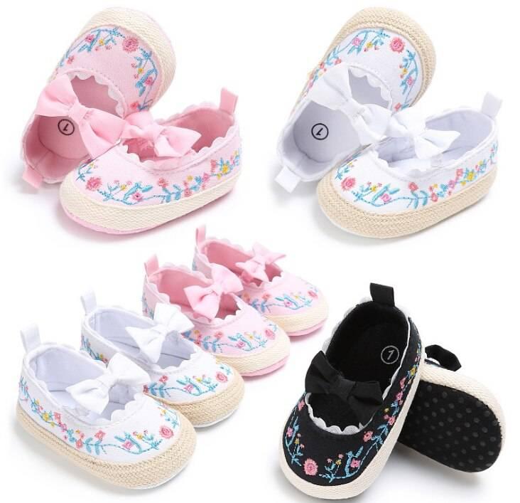 Обувь для детей до года – выбираем варианты и модели
