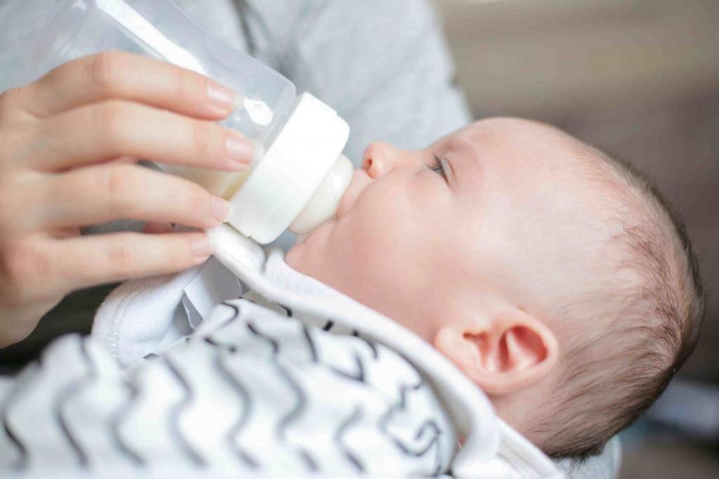 Срыгивание у новорожденных при грудном вскармливании