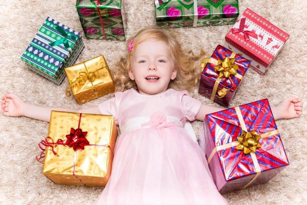 Что подарить ребенку на 2 года: лучшие идеи для всех