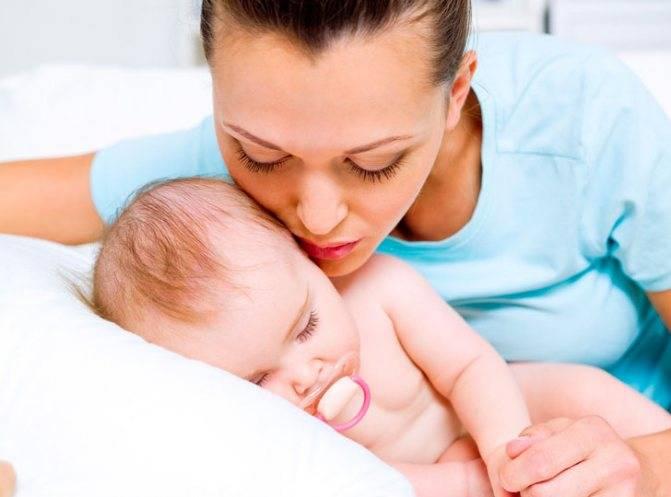 Как разбудить новорожденного для кормления и нужно ли? кормление ночью: нужно ли будить грудного ребёнка.