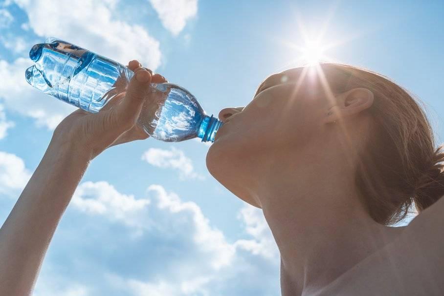 Постоянно хочется пить: какие опасные болезни сопровождаются жаждой