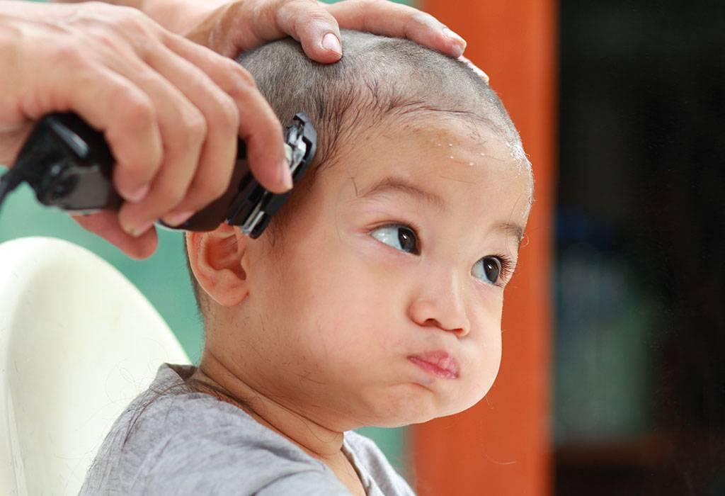 Нужно ли ребенка стричь налысо в год — мнение специалистов