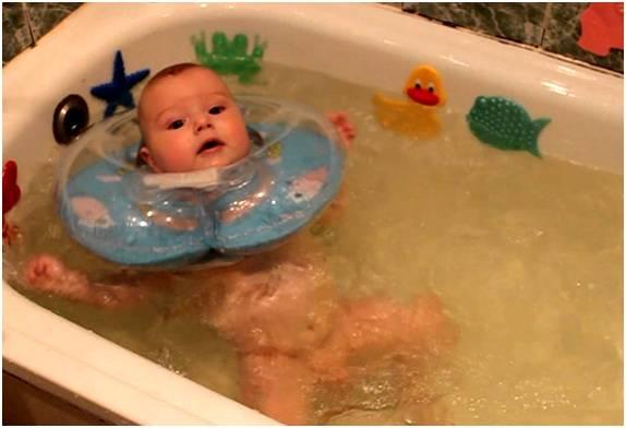 Как правильно заваривать ромашку для купания новорожденного: пошаговая инструкция
