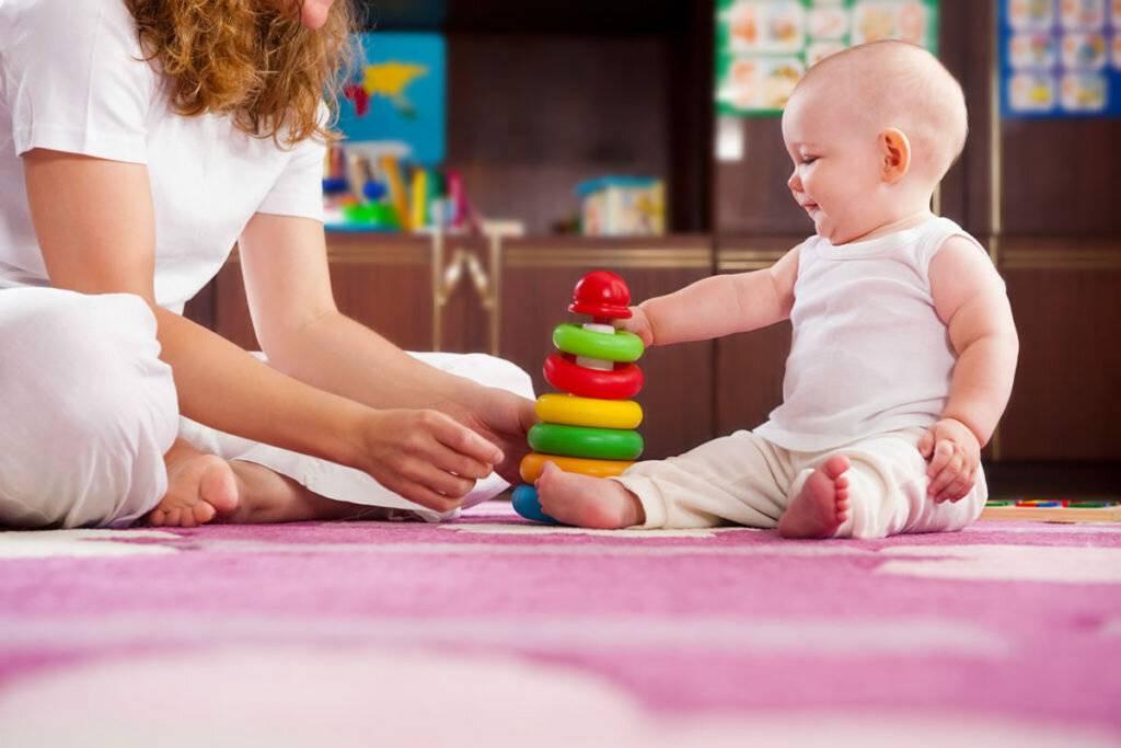 Какие игрушки необходимы ребёнку в 2 месяца