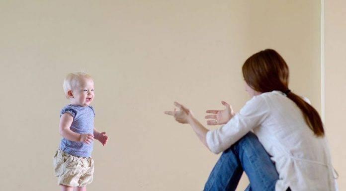 Как научить ребенка ходить: инструкция для родителей