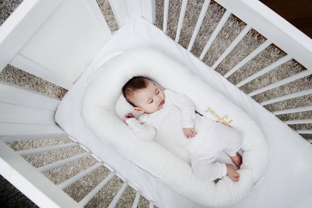 Кокон матрас для новорожденных: форма, польза, недостатки, отзывы
