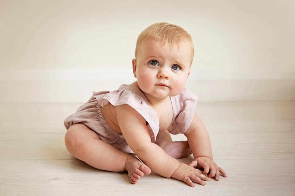 Ребенок в 3 месяца пытается сесть: развитие ребенка, возможные последствия, советы педиатров