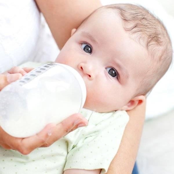 Причины частых срыгиваний малыша после кормления