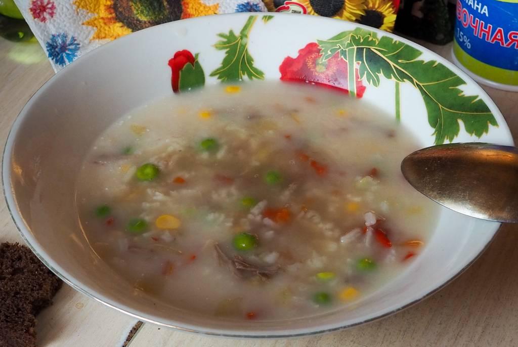 Первый суп для ребенка 6 месяцев. бульоны и супы для детей от 6 месяцев до года.